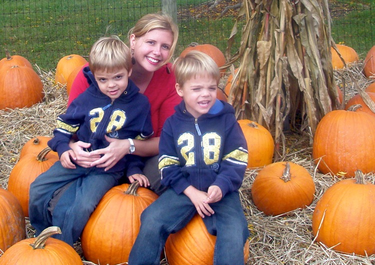 Kids & pumpkins